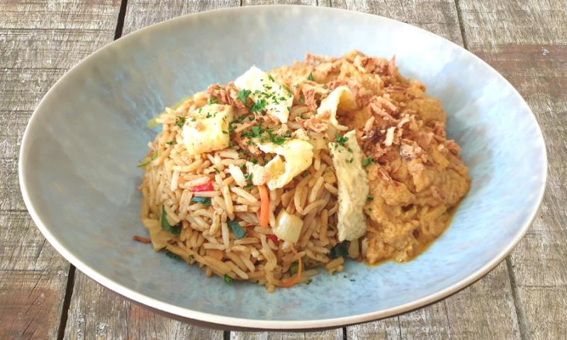 Nasi goreng met Oosterse kip ~normale portie~