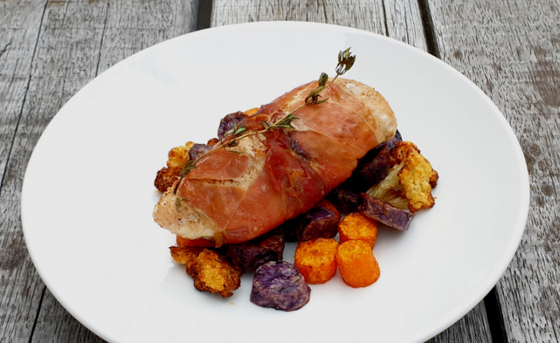 Gevulde kipfilet, gepofte groenten en gebakken truffelaardappel