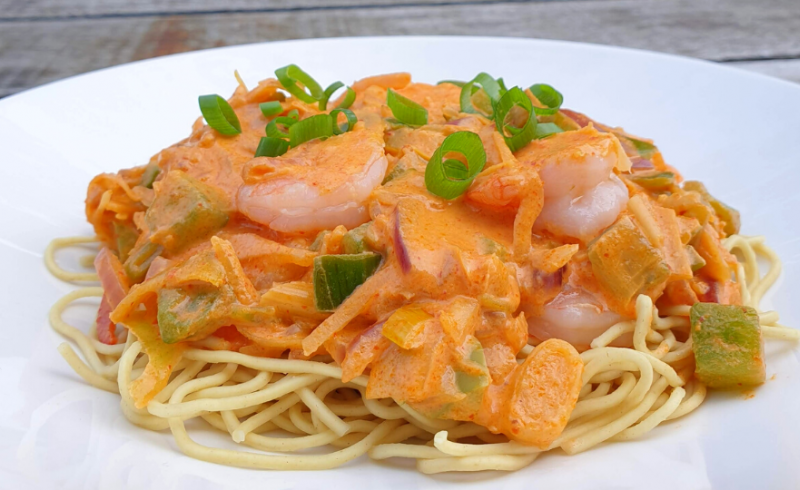 Scampi's in Rode Curry met Mie ~normale portie~